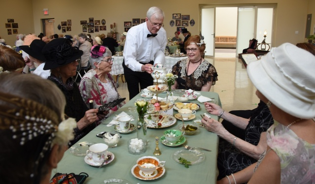 DA Tea Glen serving photo 1